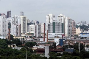 Mercado imobiliário nacional teve queda nos lançamentos e nas vendas em junho